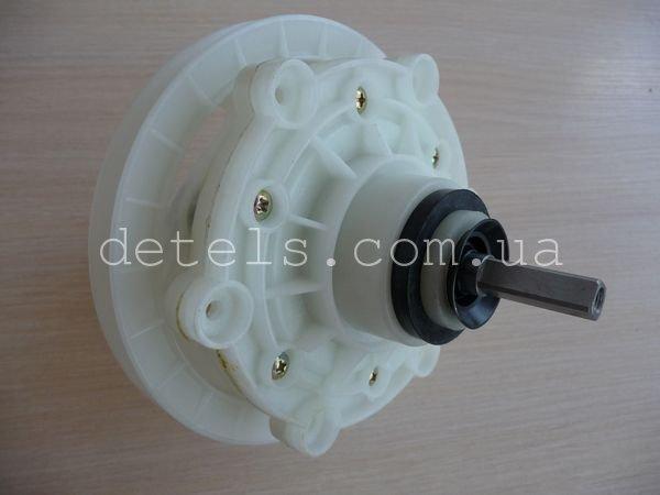Редуктор для полуавтоматической стиральной машины Saturn с коротким квадратным валом и креплением типа