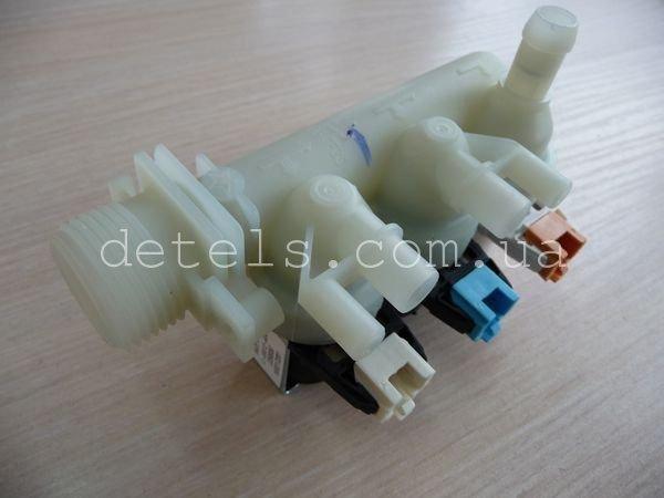 Клапан заливной Indesit Ariston C00110331 3/90 33590058 для стиральной машины