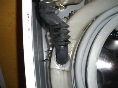 Зачем нужен резиновый патрубок в стиральной машине? Почему патрубок выходит из строя?