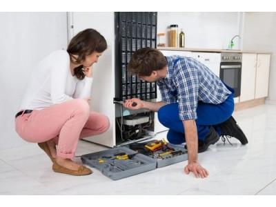 Холодильник постоянно работает и не выключается. Что делать?