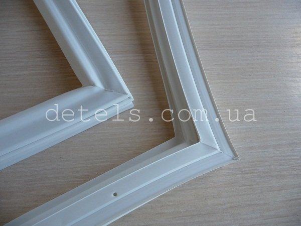 Резина двери (уплотнитель) для холодильника Indesit, Ariston, Stinol (C00854012)
