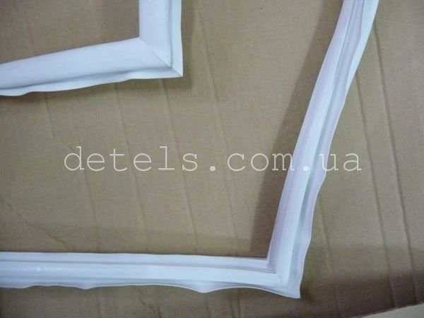 Уплотнитель (резина) дверки морозильной камеры Gorenje (647455) 1270х630 мм