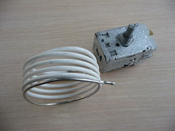 Терморегулятор ATEA A13 0218 для холодильника Indesit, Ariston, Smeg (C00041082, 818731051)